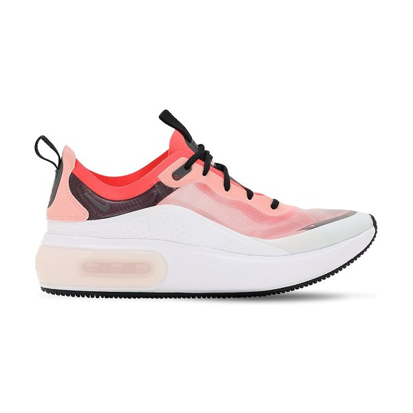 Nike Air max dia se qs sneakers in white,pink