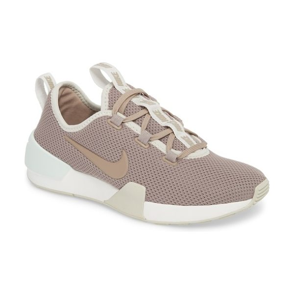 NIKE ashin modern shoe - Lightweight and comfortable, this runner-inspired sneaker...