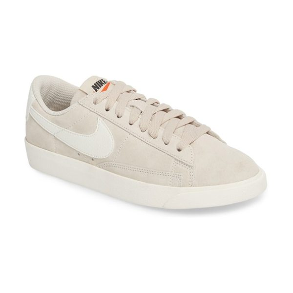 Nike blazer low sneaker in beige