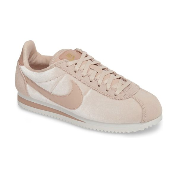 Nike classic cortez se sneaker in pink - With a running pedigree tracing back to 1972, Nike's...
