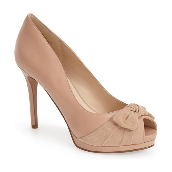 Nine West fealey bow pump in light natural leather - A knotted bow embellishment adds to the understated...