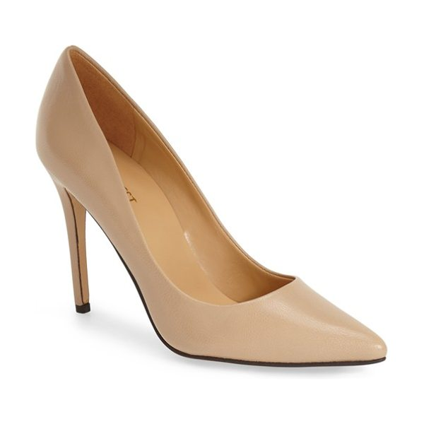 Nine West frolic pump in light natural leather - Elegant and feminine, this clean and classic pointy-toe...