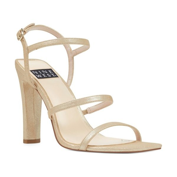 Nine West gabelle in light gold leather - A squared toe and flattened heel bring striking...