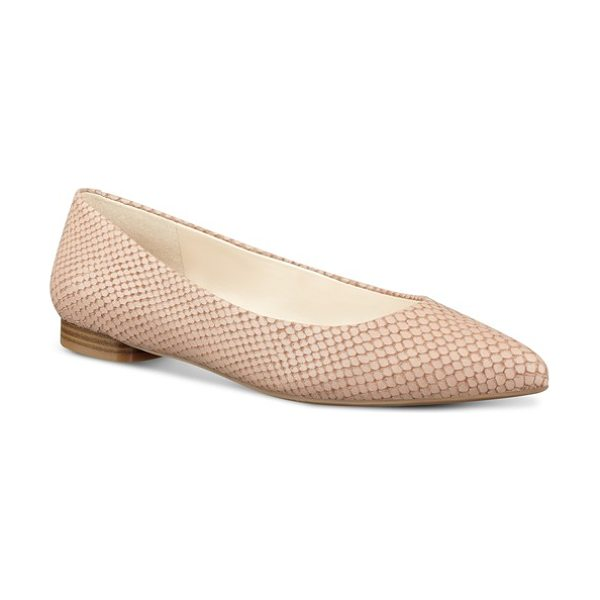 Nine West onlee pointy toe flat in natural leather - A flattering pointed toe lends a leg-lengthening effect...