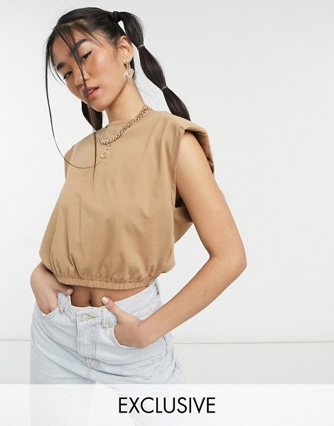 Noisy May exclusive crop top with padded shoulders in camel-brown in brown