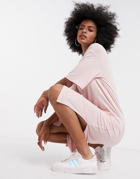 Noisy May midi t-shirt dress in baby pink in pink