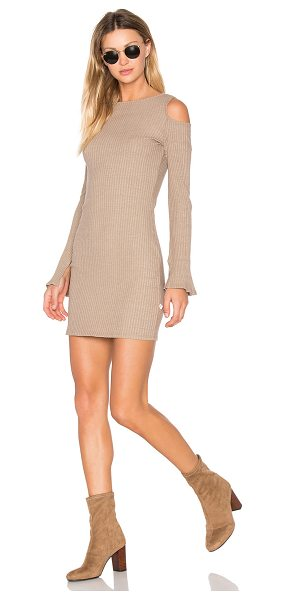 NYTT Exposed Shoulder Dress in brown - 50% cotton 46% poly 4% spandex. Hand wash cold. Unlined....
