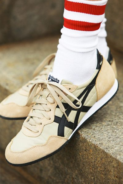 Onitsuka Tiger by Asics Serrano runner in sand - Carrying on the racing tradition of Onituska Tiger these...