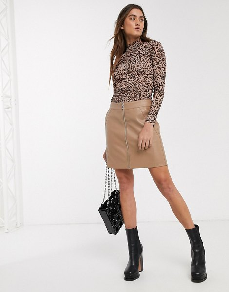 Only faux leather biker skirt in beige-pink in pink