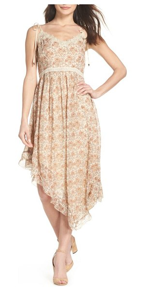 PAIGE aubrey floral print dress in beige - Lacy trim furthers the sweet, vintage style of a flowy...