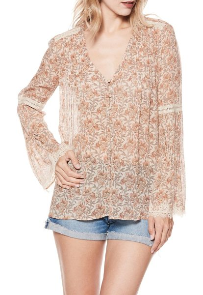 PAIGE clio silk blouse in pink - Thanks to its easy movement and luxurious silk, this...
