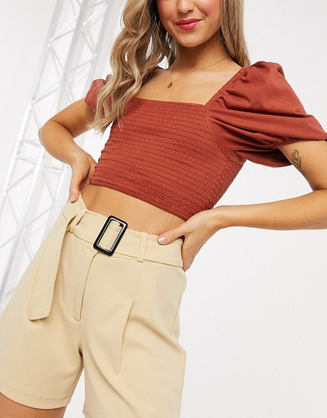 Pieces belted city shorts in beige in beige