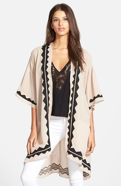 Plenty by Tracy Reese georgette kimono in dark sand - Georgette appliques trace the edges of a flowy,...