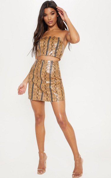 PrettyLittleThing faux leather snake print zip detail mini skirt in camel - This mini skirt is gonna give your weekend wardrobe a...