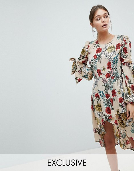 PrettyLittleThing Floral Midi Dress in beige - Midi dress by PrettyLittleThing, Round neck, All-over...