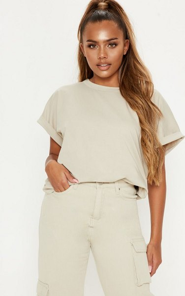 PrettyLittleThing low arm t shirt in sand