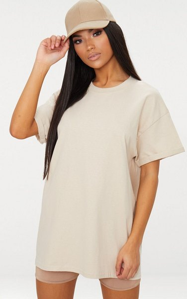 PrettyLittleThing oversized boxy t shirt in sand