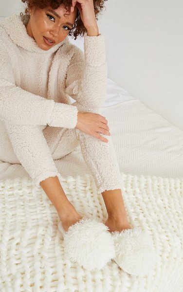PrettyLittleThing super soft dome slippers in cream