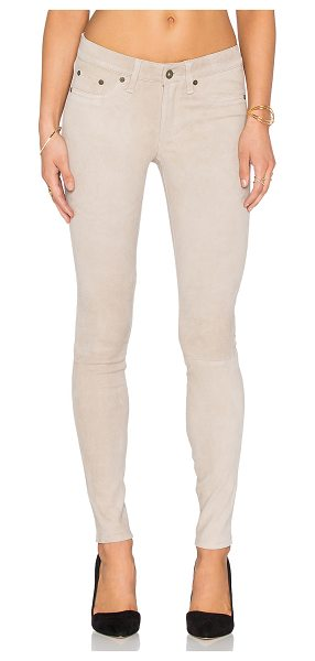 Rag & Bone Skinny in beige - Self: 100% lamb leatherLining: 97% cotton 3% elastane....