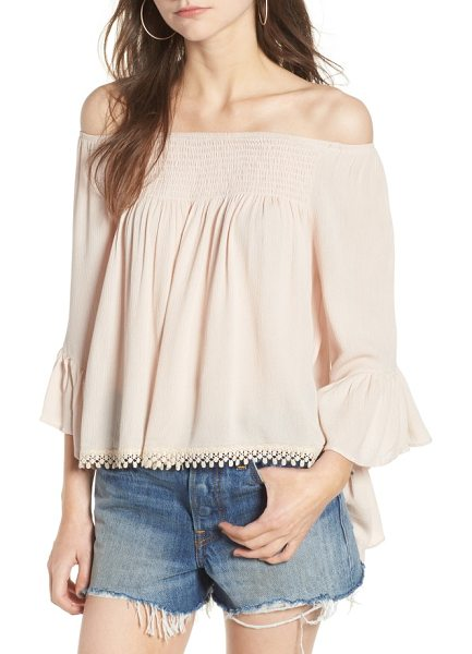 Raga anne off the shoulder blouse in cloud pink - A lace-trimmed hem and beautifully breezy bell sleeves...