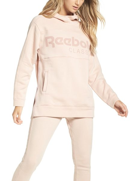 Reebok oversize graphic hoodie in shell pink - Make outdoor workouts or casual hangouts even more...