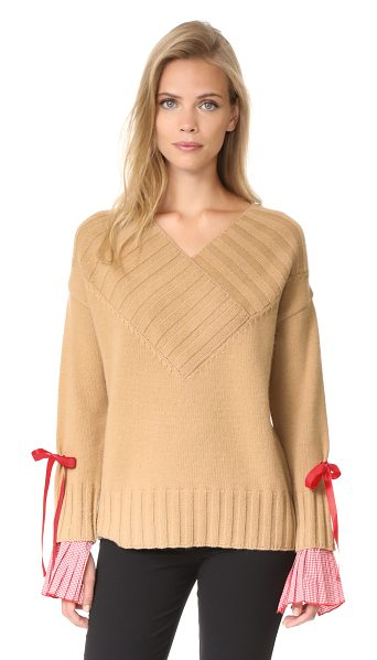Romanchic deep v neck sweater in beige - A relaxed Romanchic sweater with detachable inset cuffs...