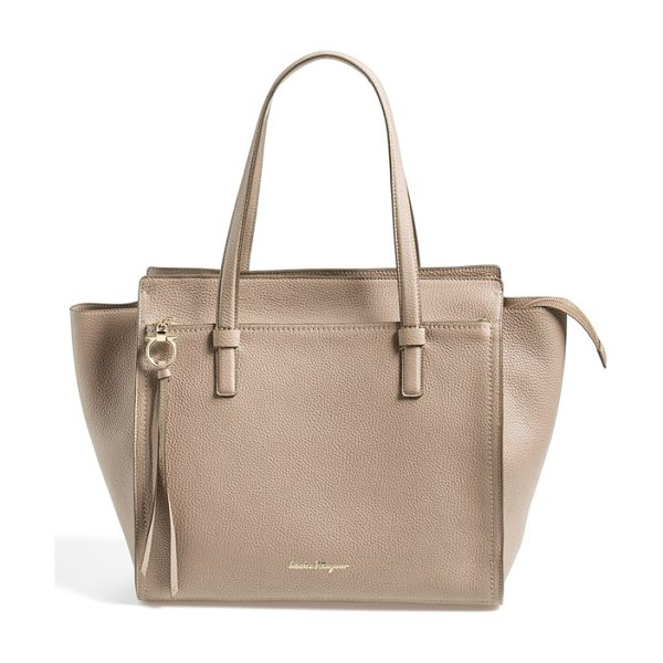 SALVATORE FERRAGAMO leather tote - Iconic Gancini hardware and gilt embossing turn up the...