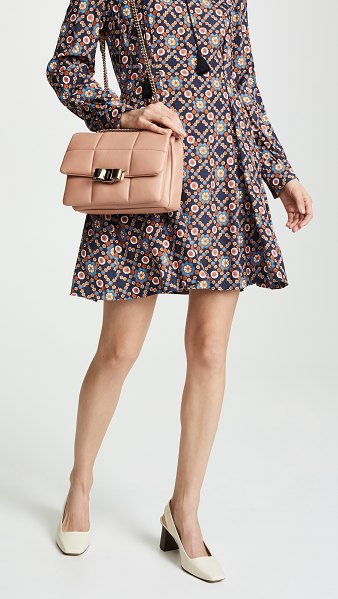 Salvatore Ferragamo vara soft shoulder bag in new blush - Leather: Lambskin Quilted leather Gold-tone hardware Bow...