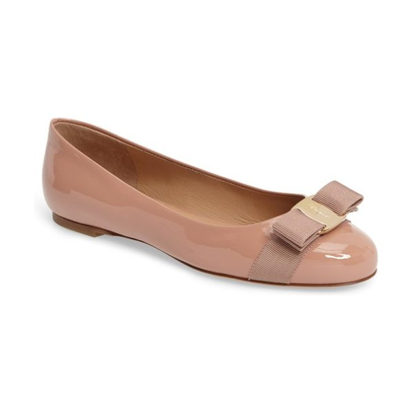 Salvatore Ferragamo varina leather flat in beige