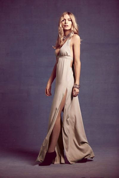 Saunder Eve gown in rose - Stunning blush-toned gown with a plunging neckline and...