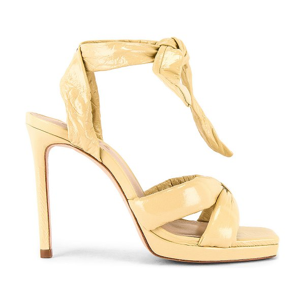 Schutz yale pump in almond buff