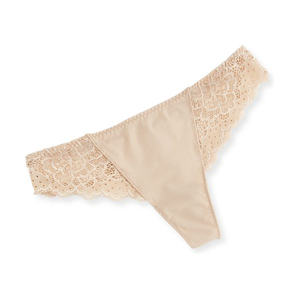 Simone Perele Caresse Lace Mesh Thong in peau rose