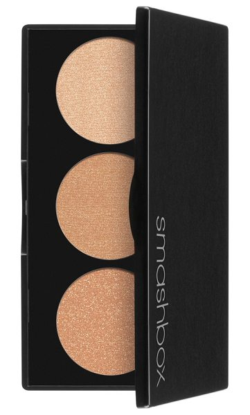 Smashbox spotlight palette in gold - What it is: An easy-to-use three-well highlighting...