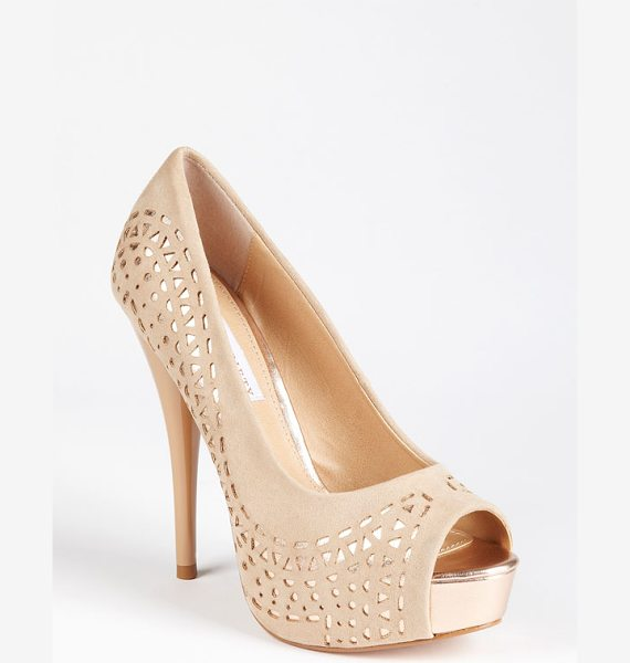 Sole Society kaitlyn pump in blush rosegold - A patent-wrapped heel balances the sultry matte finish...
