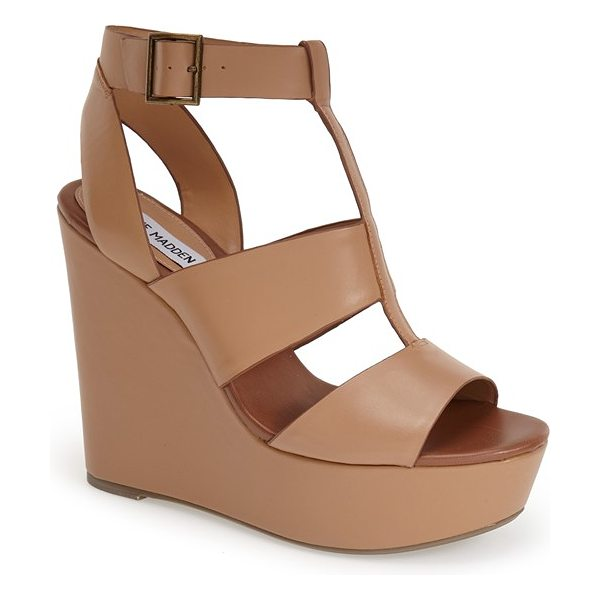 Steve Madden keenia wedge sandal in natural leather - Give your summer wardrobe a boost with this bold wedge...