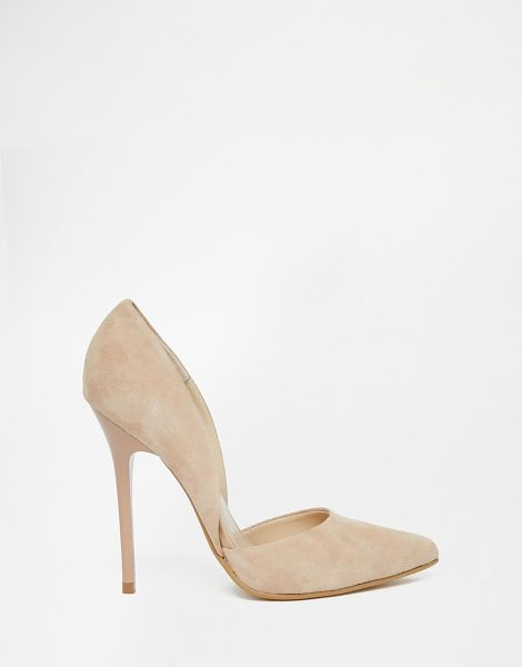 Steve Madden Varcityy nude heeled pumps in beige - Shoes by Steve Madden, Suede upper, Cut-away sides,...