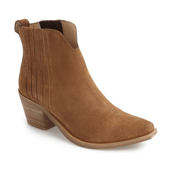 Steve Madden webster chelsea boot in tan suede - Cleverly concealed goring and a pointy toe set on a...
