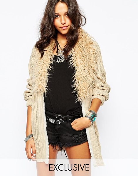 STORY OF LOLA Oversized cardigan with faux fur collar - Cardigan by Story of Lola Chunky knit Fluffy faux fur...