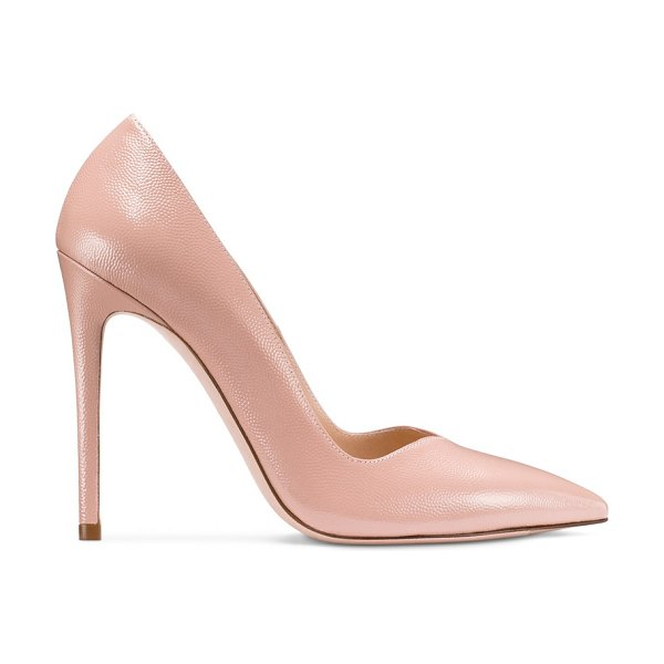 Stuart Weitzman Anny 105 in buff blush caviar patent leather - Feminine curves define the Anny 105 pumps. With a V-cut...