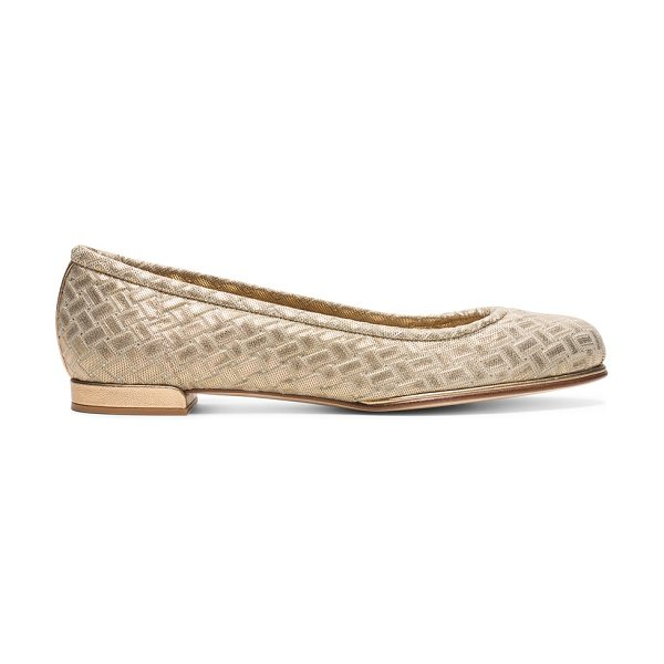 Stuart Weitzman Clouds in gold stretch weave - These better-than-basic ballet flats boast an...