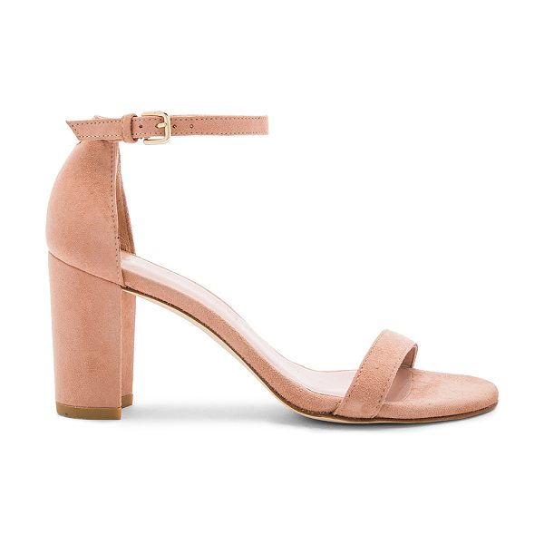 STUART WEITZMAN Nearlynude Heel in naked suede - Suede upper with leather sole. Ankle strap with buckle...