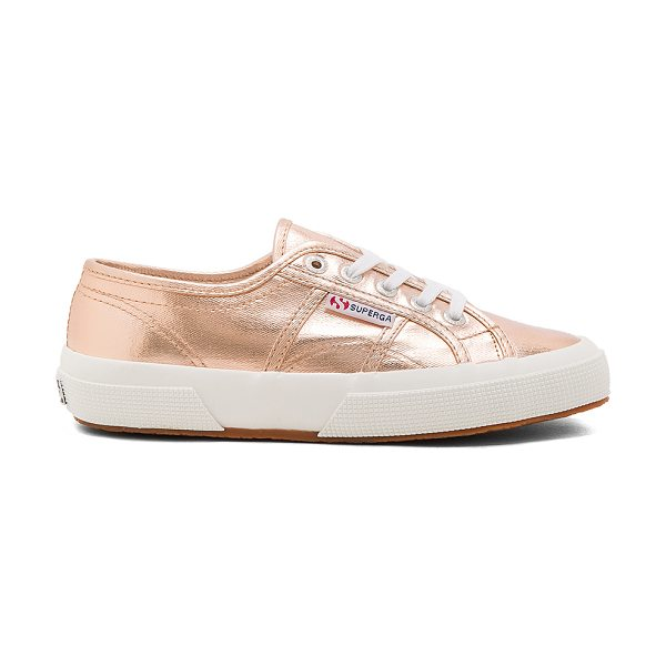 Superga 2750 Cotmetu Sneaker in metallic copper - Metallic cotton upper with rubber sole. Lace-up front....