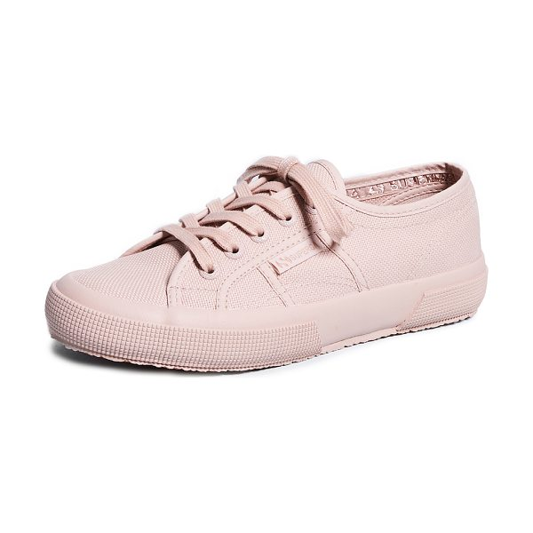 Superga 2750 cotu classic sneakers in rose mahogany - Fabric: Canvas Tonal Lace-up style Flat profile Lace-up...