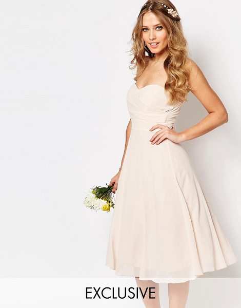 TFNC WEDDING Prom Midi Dress in pink - Midi dress by TFNC, Lined chiffon, Sweetheart neckline,...