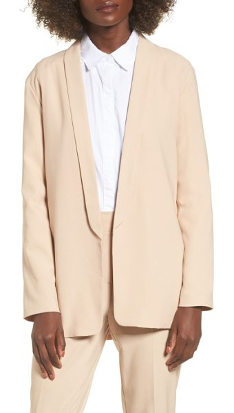 The Fifth Label unspoken blazer in sand - The smooth lines of this creamy blazer cleanly styled...