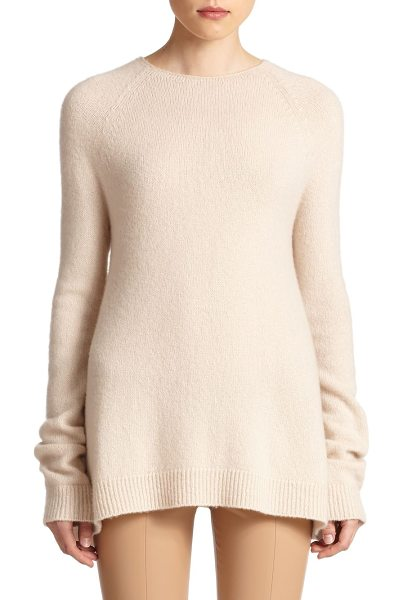 The Row Eban oversized cashmere sweater in lightbeige - This luxe cashmere sweater is defined by an oversized...