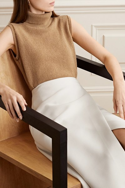 The Row giselle cashmere turtleneck sweater in brown