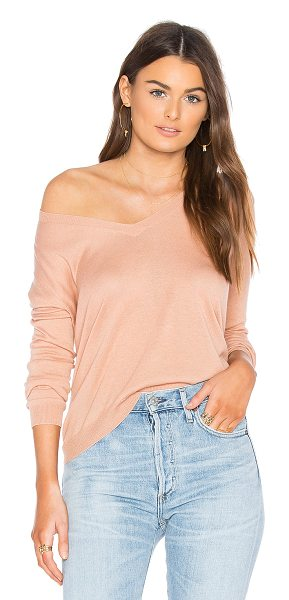 Theory Yulia V Sweater in peach - Cotton blend. Jersey knit fabric. THEO-WK176. H0112704....
