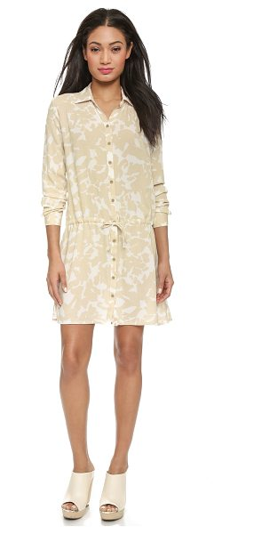 Three Dots Long sleeve shirtdress in caribbean sand - A soft Three Dots shirtdress styled in a modern print. A...