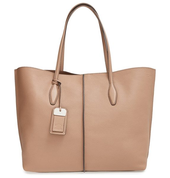 Tod's Rest in tobacco - A pebbled leather shopper with minimalist styling is...